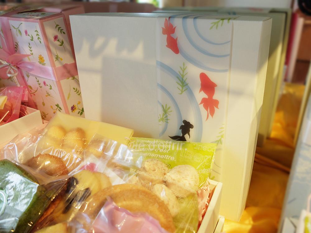 焼き菓子ギフト 金魚の箱