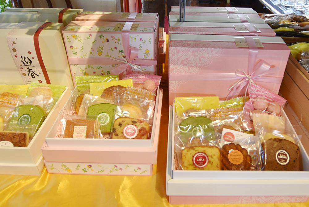 さまざまな大きさ 焼き菓子の箱